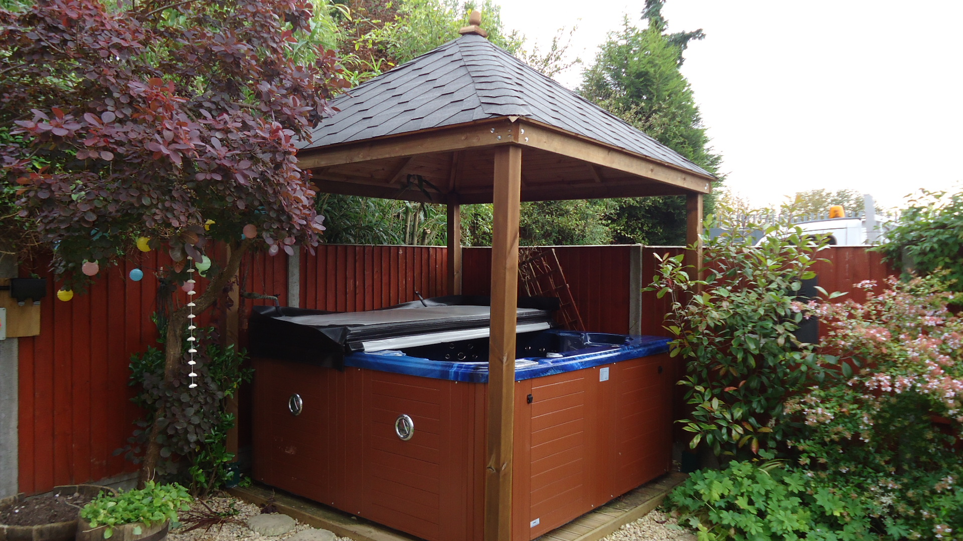 Patio life hot tub shelter 10ft x 10ft enclosure for Hot tub shelters
